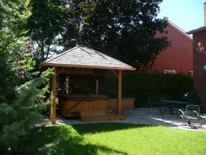 hot-tub-cabana-3