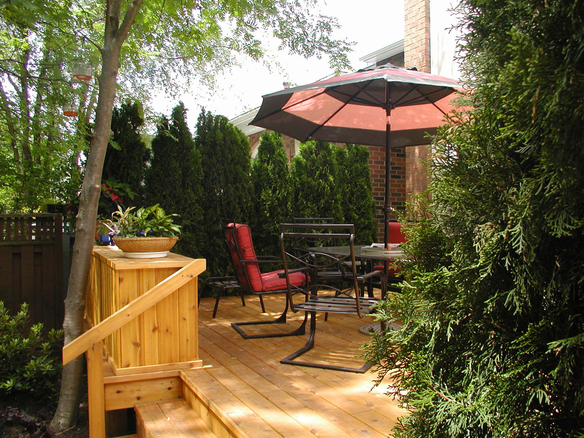backyard- small -deck