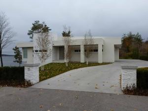 modern-house-entrance