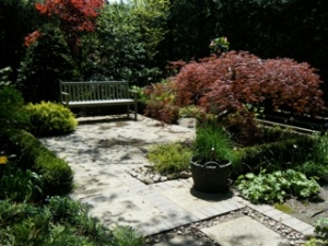lawrence-park-garden-2
